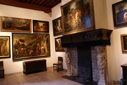 1200px-Rembrandts_hus_-sitting_room